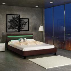 Tekonahkainen sänky...