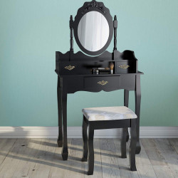 Musta meikkauspöytä...