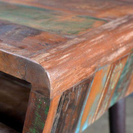 Uusiokäytetystä Puusta Valmistettu Pöytä Rautajaloilla