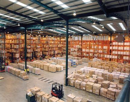 Modern_warehouse_with_pallet_rack_storag